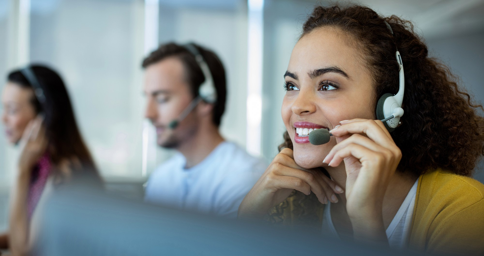 Operator Call Center Slider 3